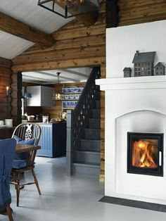 Столовая  кухня, лестница, камин