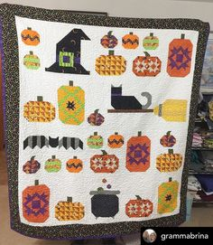 Halloween Quilt Patterns, Halloween Quilts, Star Quilt Patterns, Halloween Blocks, Halloween Projects, Quilting Projects, Quilting Designs, Quilt Design, Witches Night Out