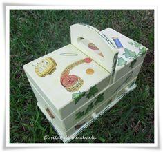 COSTURERO Y CAJA DE LUZ EN DECOUPAGE. Decoupage, Decorative Boxes, Container, Diy, Inspiration, Home Decor, Scrappy Quilts, Decorated Boxes, Lightbox