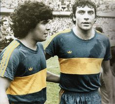 Boca Juniors - Maradona y Brindisi Football Icon, World Football, Soccer World, Diego Miguel, Diego Armando, Bobby Charlton, Football Images, Professional Soccer, Sports Clubs