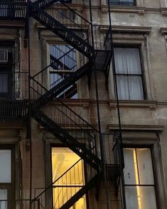 New York Life, Nyc Life, Jm Barrie, A New York Minute, Brooklyn Baby, City Vibe, Fire Escape, City Aesthetic, Aesthetic Photo