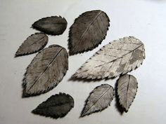 saraccino: Polymer clay leaves black and white