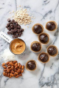 Dark Chocolate Peanut Butter Granola Bites #recipe #healthy #chocolate
