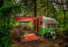 (Gov't messing with living off the grid - not cool.)camping-off-grid Vintage Campers, Camping Vintage, Vintage Rv, Retro Campers, Vintage Caravans, Vintage Travel Trailers, Happy Campers, Small Caravans, Vintage Motorhome