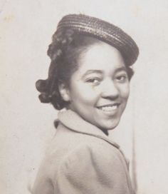 Vintage 1950's African American Beautiful Black by InteriorVintage, $14.99 Pretty Black, Black Is Beautiful, Beautiful Women, Vintage Photographs, Vintage Photos, Black School Girl, Vintage Photo Booths, African American Fashion, Photos Booth