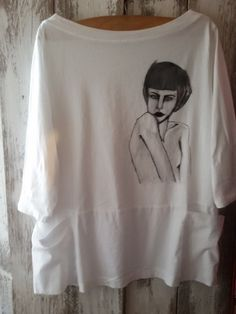 Handmade painted fabric by SHARON B. Find more on: www.creomoda.weebly.com  #fashion #handmade #painted  #clothes #outfit #lineart #fabric #portrait #b/n #shirt #minimal #white #DIY #blush #sharonb