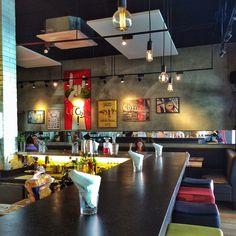 Salão do novo Z Deli Sandwich Shop, em Pinheiros