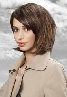 Kapsels 2013 - Haartrends 2013 Great Hairstyles, Hairstyles For Round Faces, Short Hairstyles For Women, Curled Hairstyles, Hairstyle Short, Short Styles, Long Hair Styles, Short Hair Hacks, Hair Pictures