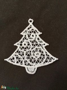 3 db Csipke fenyőfa (3db/csomag) (Cottonfresh) - Meska.hu Crochet Earrings, Christmas Ornaments, Holiday Decor, Diy, Home Decor, Xmas Ornaments, Do It Yourself, Decoration Home, Bricolage