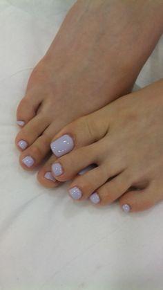 Pretty toes,
