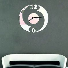 Moderné nalepovacie hodiny polkruh , zrkadlové .