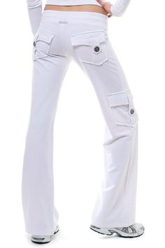 Bamboo Pocket Pants, the best eco-friendly and flattering wide-leg style! Slow Fashion, Cheap Fashion, Fashion 101, Scrubs Outfit, Yoga Capris, Yoga Pants, Scrub Pants, Workout Pants, Fashion Pants