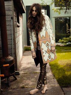 Manteau motifs aztèque