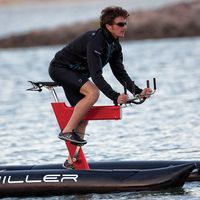 the schiller sport inc. water bike' is a further development of his first water bike project, the 'baycycle' which created a new form of cycling Water Bike, Bike Kit, Bike Design, Sport Design, Power Boats, Cycling Bikes, Water Crafts, Water Sports, Luxury Travel
