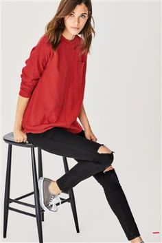 On-trend women's tops in going out and summer styles, these lend seasonal chic to your wardrobe. Blue Leggings, Denim Leggings, Ripped Denim, Party Looks, Summer Tops, Blue Denim, Going Out, Lady, Casual