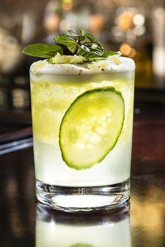 Cocktail Recipe: Cucumber, Ginger & Prosecco Sangria, from The Kitchn Sangria Recipes, Cocktail Recipes, Drink Recipes, Party Recipes, Cocktail Drinks, Ginger Honey Lemon, Fresh Ginger, Cucumber Detox Water, Cucumber Cocktail