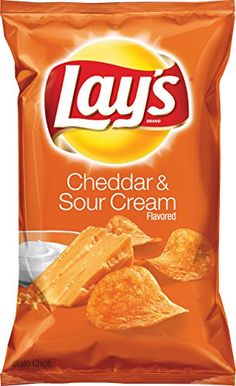 Each bag of Lay's cheddar and sour cream flavor potato chips capture the bold flavor of fresh cheddar and sour cream taste. Lays Potato Chip Flavors, Lays Chips Flavors, Lays Potato Chips, Potato Crisps, Potato Snacks, B 17, Chips Restaurant, Packaging Snack, Dessert Drinks