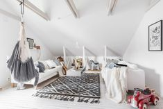 Well, yes, there's a hammock in the living room. How dreamy is that? Lundin