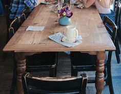 Czasem warto poczekać – Jestem w lesie Front Porch, Dining Table, Rustic, Furniture, Home Decor, Homemade Home Decor, Diner Table, Front Porches, Dinning Table Set
