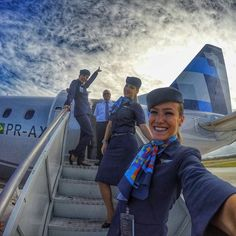 Azul é você lá em cima!!! #flightattendant #flightattendantlife #cabincrew #cabincrewlife #crewlife #crew #stewardesslife #stewardess #wowstewardess #topstewardesses #aeromoça #comissariodevoo #blueangels #tripulacao #tripulacion #azafata #aviation #aviationlovers #embraer195 #blessed #picoftheday #azulinhasaereas #azulviagens #LáEmCima by fernandaposse