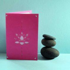 Facing_Carte_Fleur-Lotus_2_lole-y-pop_650px Pop Design, Kirigami, Diagrammes Origami, Pop Up, Scrap, Diy, Buddhists, Buddha, Flowers