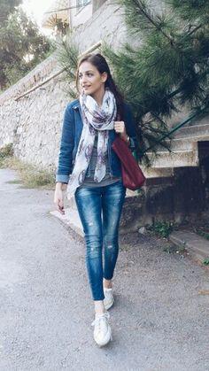 İremis style / jeans , gold superga , denim jacket , scarves , red bag