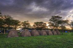 Botswana Gruppenreisen mit Safaris: Erleben Sie hochwertige Erlebnisreisen und Gruppenreisen mit deutschsprachiger Reiseleitung. Hier Gruppenreisen günstig buchen!