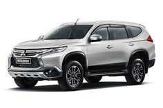 The 2017 Mitsubishi Pajero is going to be a remodeled one. This car will bear minimum resemblance with its previous releases. There will be a lot of new Jeep Pickup Truck, Vintage Pickup Trucks, Vintage Cars, Mitsubishi Pajero Sport, Mitsubishi Motors, Home Design, Pickup Truck Accessories, Montero Sport, Nova