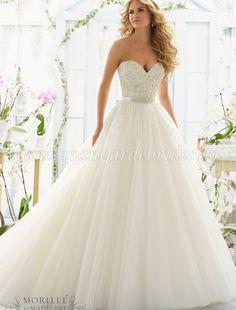 Rochia de mireasa Mori Lee 2802 este o delicata rochie, in care pretioasa…