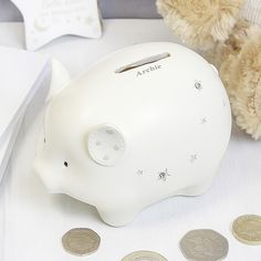 You can personalise this money box with a name below the slot up to 12 characters.
