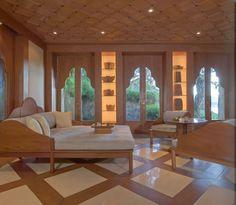 Bali Luxury Resort Photo Album and Hotel Images - Amankila - picture tour