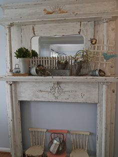 Chateau Chic: Nests and Wire Baskets Fireplaces, Fireplace Mantles, Rustic Primitive Decor, Summer Mantel, Antique Mantel, Cottage Furniture, Wire Baskets, Eclectic Decor, Home Decor Styles