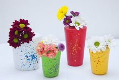 Vasinho colorido feito com bexiga -  Vasinhos coloridos