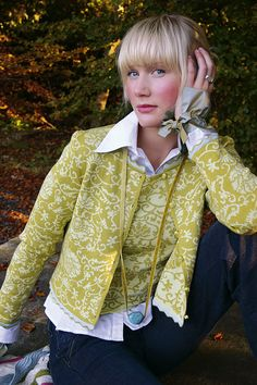 OLEANA Norway - The knitwear is high quality and a good alternative to classic costume jackets. Perfect for the Dirndl. Norwegian Knitting, Holiday Sweater, Fair Isle Knitting, Yellow Fashion, Knit Fashion, Knitted Bags, Girls Sweaters, Knitwear, Knit Crochet