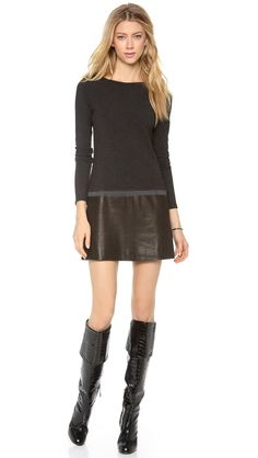 Theory Keiran Classical Dress, Love the Sweater and Leather combo! Leather Boots, Leather Skirt, Large Size Dresses, Double Knitting, Black Boots, Theory, Ideias Fashion, My Style, Long Sleeve