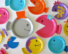 Fintastic Paper Plate Fish Use pin to joint jaw so they can eat other fish.