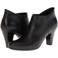 Black short boots.