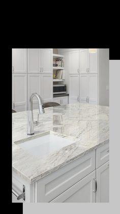 Thunder White Granite, Super White Granite, White Granite Colors, White Granite Kitchen, Marble Countertops Bathroom, Granite Countertops Colors, Kitchen Interior, Kitchen Design, Light Gray Cabinets