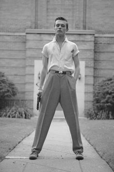 Vintage man is about to have an altercation. Vintage man is about to have an altercation. 1950s Fashion Menswear, Vintage Fashion 1950s, Look Vintage, Vintage Men, 1950s Mens Fashion Casual, 80s Men's Fashion, Greaser Fashion, Vintage Hats, Victorian Fashion