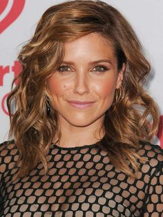 Sophia Bush - Coiffures : la raie de côté des it girls - Photos Beauté - Be.com