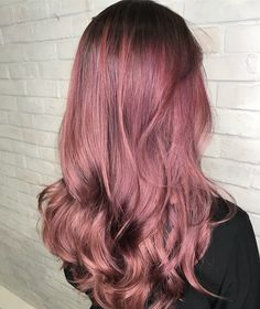 Ma Cherie - soft and feminine metallic rose shade for the ladies! Gorgeous Hair Color, Red Hair Color, Japanese Hair Salon, Cabelo Rose Gold, Hair Colour Design, Haircut And Color, Hair Coloring, Messy Hairstyles, Pink Hair