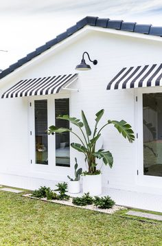 My Back of House Makeover — Adore Home Magazine – Back yard grill House Front, My House, Outdoor Tiles, Outdoor Decor, Outdoor Spaces, Chill, House Makeovers, Exterior Makeover, Beach Design