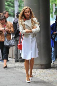 Joanna Przetakiewicz w sukience swojej marki.
