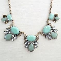 Mint lovely necklace Cute mint necklace NWT retail Hwl boutique Jewelry Necklaces