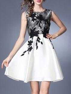 Black-white Vintage Midi Dress