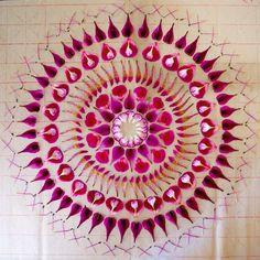 Lo efímero de la naturaleza en mandalas de flores (FOTOS)