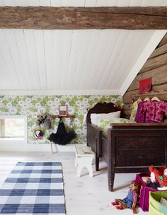 what a brilliant way to transform an attic into a sweet children's room... #sótão #room