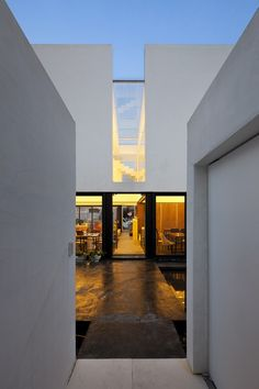 Mug Hakdong / Hyunjoon Yoo Architects
