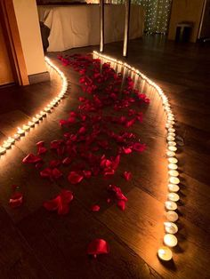 Top Ideas for birthday dinner surprise Wedding Night Room Decorations, Romantic Room Decoration, Birthday Room Decorations, Romantic Bedroom Decor, Anniversary Decorations, Valentines Day Decorations, Wedding Bedroom, Table Decorations, Romantic Room Surprise