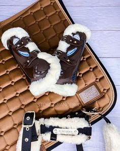 English Horse Tack, Ugg Boots, Equestrian, Uggs, Horses, Winter, Fashion, Winter Time, Moda